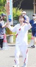 聖火ランナーの高木里美さん